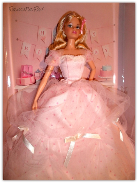 Birthday Wishes Barbie Doll vía  RebecaNavRed/Flickr