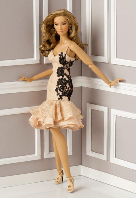 Cosmetic Surrender Elsa Lin Dressed Doll