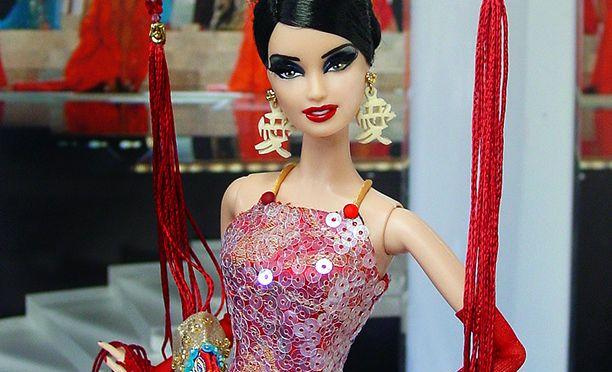 OOAK Miss Hong Kong 2014 Barbie doll de Ninimomo para la IDC 2014