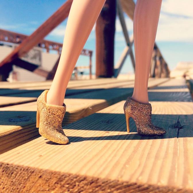 La aventura de los zapatitos dorados: Cádiz, Barbie y Acerico Barbieholics