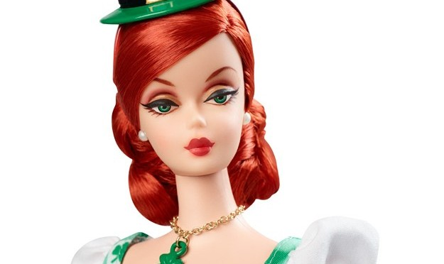 Shamrock Celebration Barbie Doll, vuelve la Holiday Hostess Collection