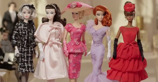 Vídeo: The 2015 Barbie Fashion Model Collection Debut