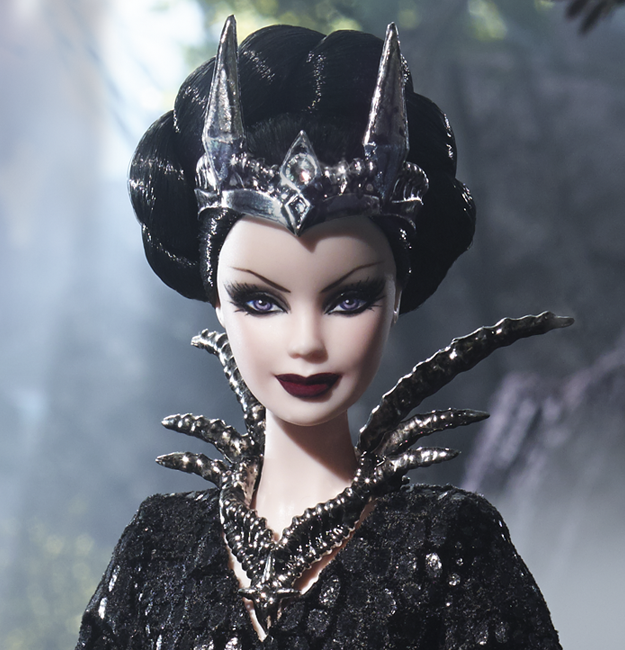 Imágenes promocionales: Queen of the Dark Forest Barbie Doll