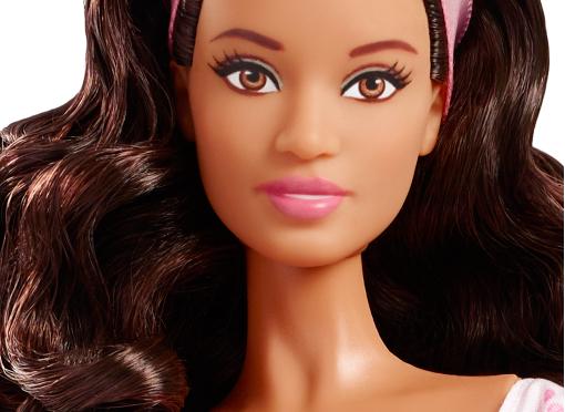 2016 Birthday Wishes Barbie Doll, imágenes promocionales