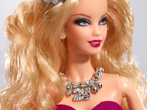 La Navidad a través de 10 OOAK de Barbie y amigos