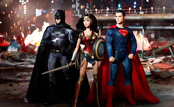 Nuevas imágenes de los muñecos de Batman, Superman y Wonder Woman