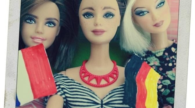Las muñecas Barbie también disfrutan con el fútbol
