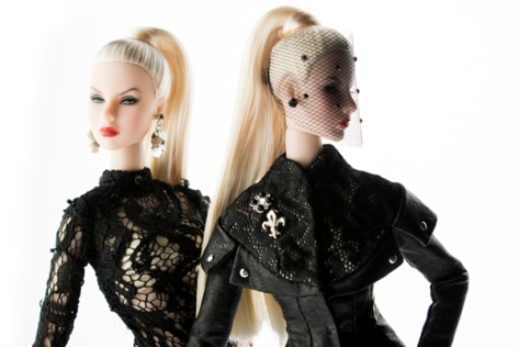 Sister Moguls Agnes Von Weiss and Giselle Diefendorf Duo-Doll Gift Set