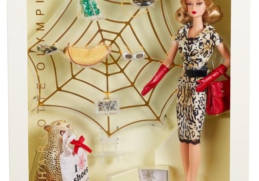 De la mano de Carlyle Nuera, Charlotte Olympia Barbie Doll