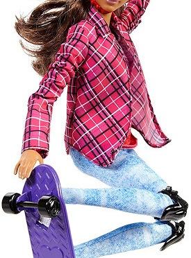 """Las muñecas Barbie """"Made to Move"""" no solo practican yoga…"""