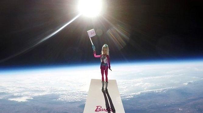 Barbie hace su primer viaje espacial real