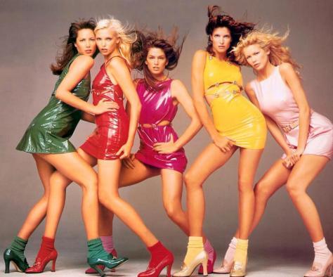 von-damals-bis-jetzt-wie-luxusmarken-clubwear-auf-den-laufsteg-bringen-body-image-1443022317