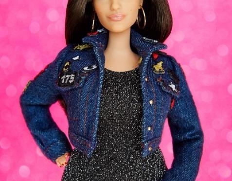 Ashley Graham y su Barbie #sheroe
