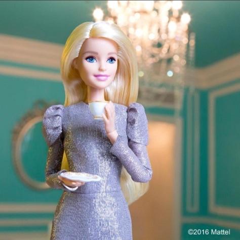 barbie-vestido-plateado