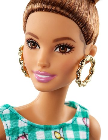 barbie-fashionistas-50-emerald-check-doll-1