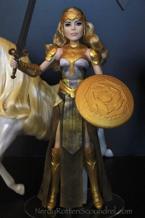 Wonder-Woman-Movie-Hippolyta-Mattel-Figurine-Toy-Fair-2017-683x1024