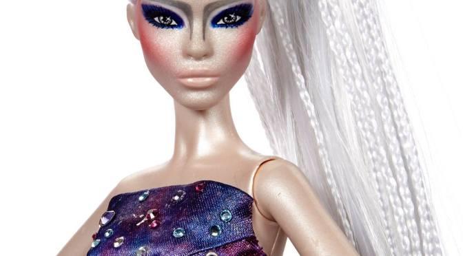 Galaxia Barbie Doll, la úlgitima OOAK de Carlyle Nuera