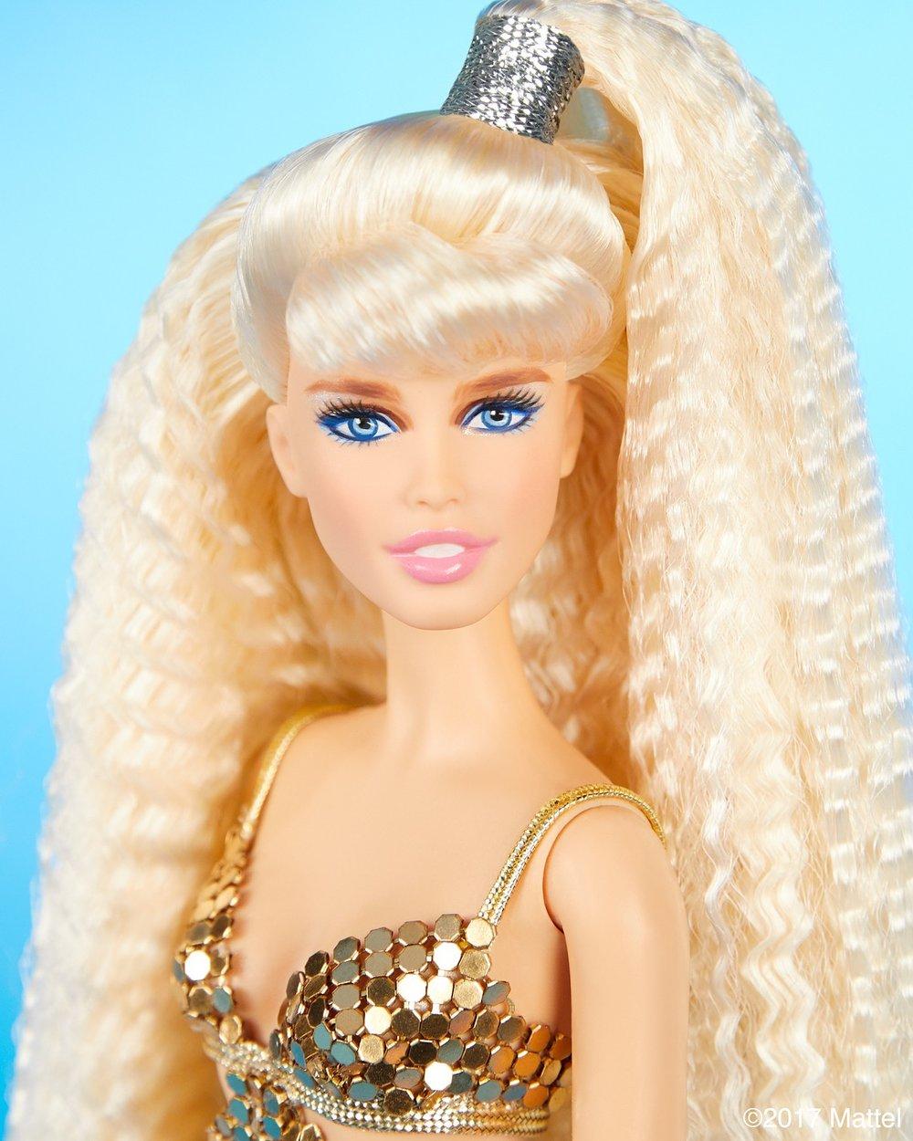 Claudia Schiffer Barbie doll_2