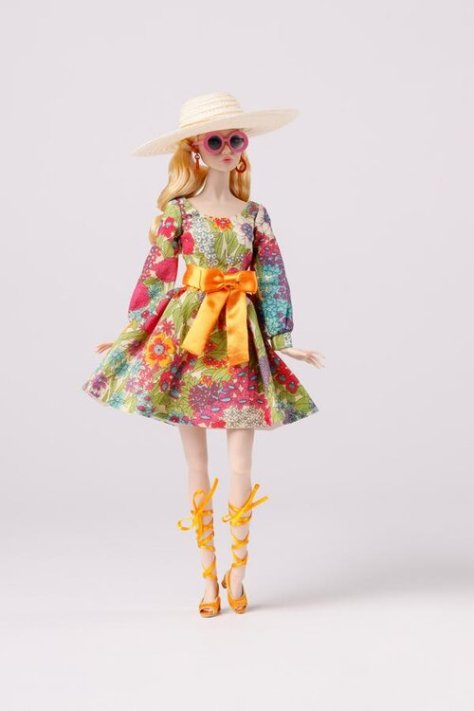 Lowres_PP164_fashion_PP159_doll_full__Poppy_Parker_Groovy_Beauty_Blossoms